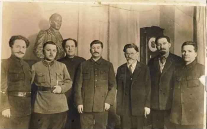 Сталин с соратниками в день своего 50-летия