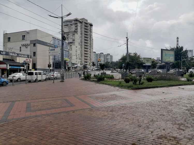 Новороссийск. Перекрёсток Куникова и Дзержинского