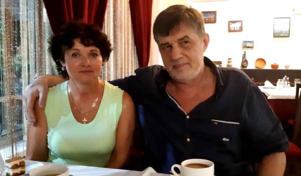 именинник капитан Никольский при персональной супруге