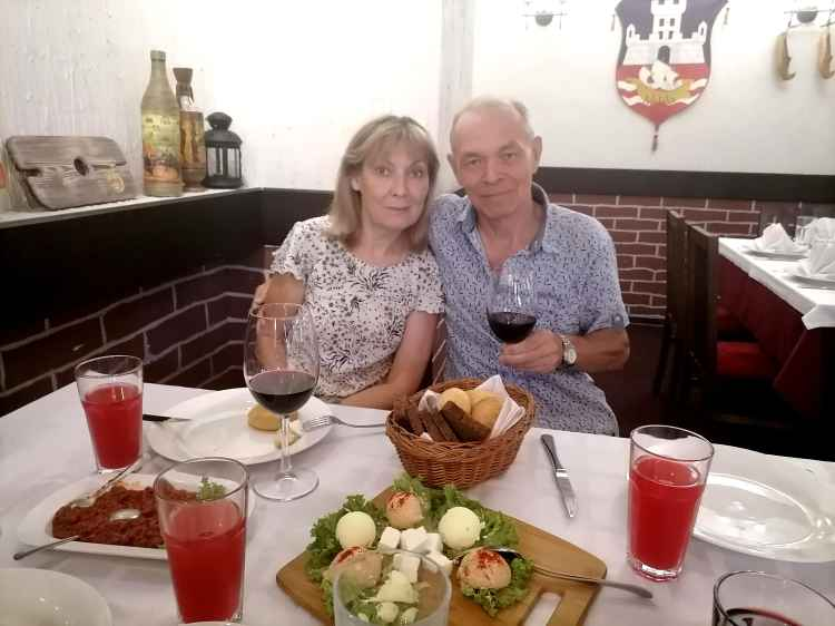 Петрович с супругой Лариком