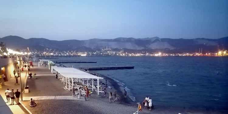 Новороссийск. Вечерний пляж
