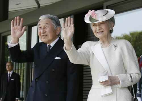 Япония. Император Акихито и императрица Митико