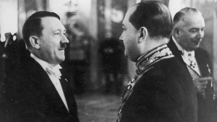 Адольф Гитлер и посол Польши Юзеф Липски, 1938