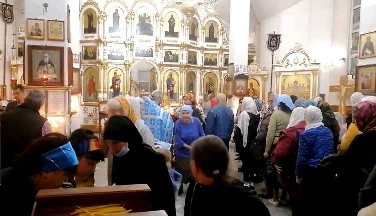 Новороссийск, праздничная служба в Храме Новомучеников