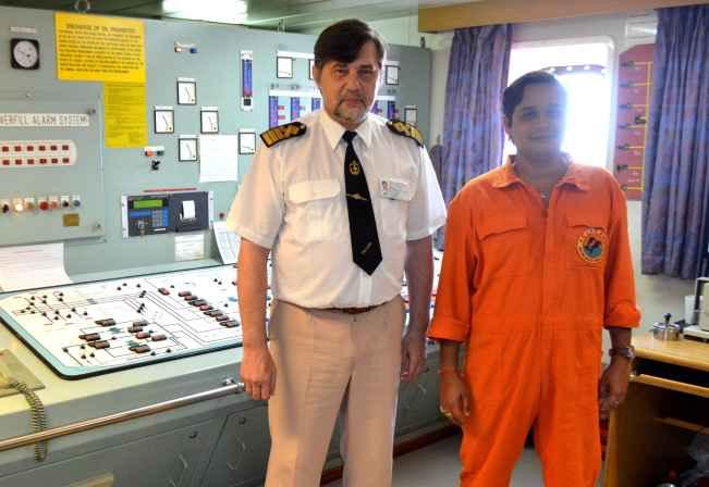 капитан Никольский и старпом Dharmendra Kumar