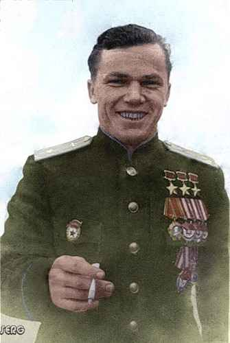 Иван Кожедуб трижды герой