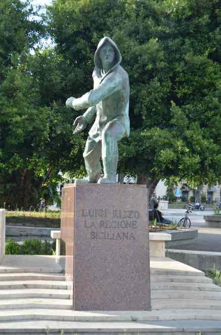 Памятник торпедистам 2