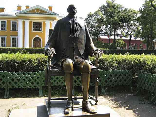 Памятник Петру I работы Шемякина