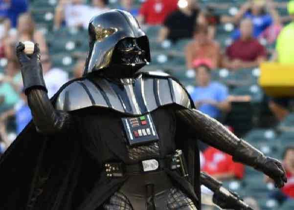 Дарт Вейдер на бейсбольном матче в Техасе