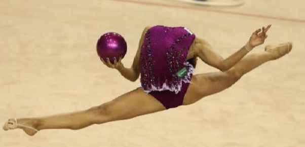 Маргарита Мамун из России на чемпионате мира по художественной гимнастике в Турции