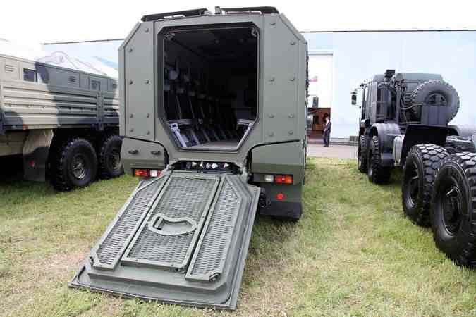 КАМАЗ-63968 десантный отсек