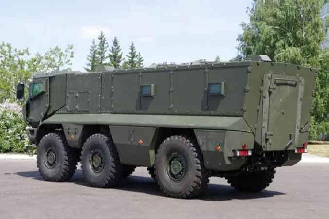 КАМАЗ-63968 вид сзади