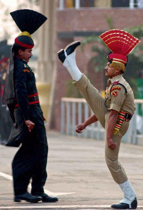 Пограничники Индии и Пакистана