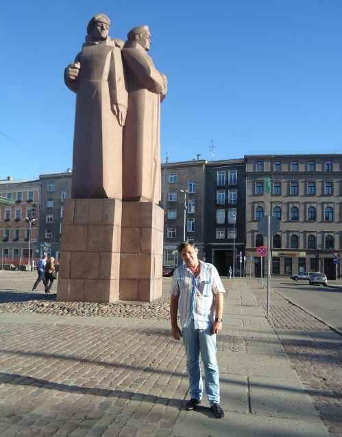 Рига. Памятник красным латышским стрелкам