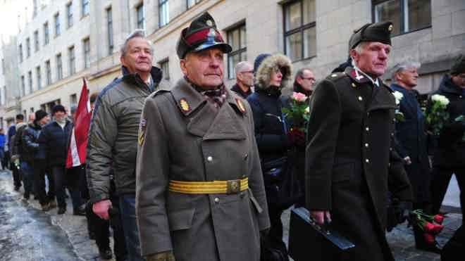 марш легионеров ветеранов СС в Риге