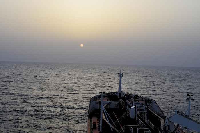 Tanker MAIRA в Красном море