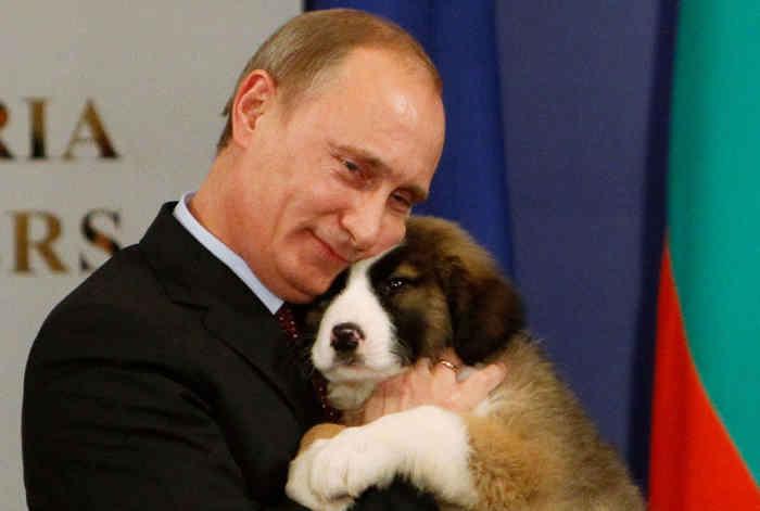 Путин с щенком