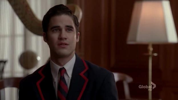 Blaine at awe while Kurt sang Blackbird