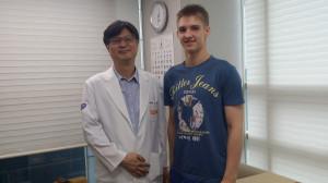 Профессор Сон и Артемка.