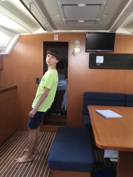 Современная парусная чартерная яхта 8BC99269-385E-42FF-BF99-CD14E1E8EF86.jpeg