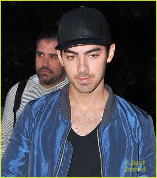 joe-jonas-solo-recording-session-05