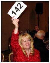 2010 Auction - Marilyn bids