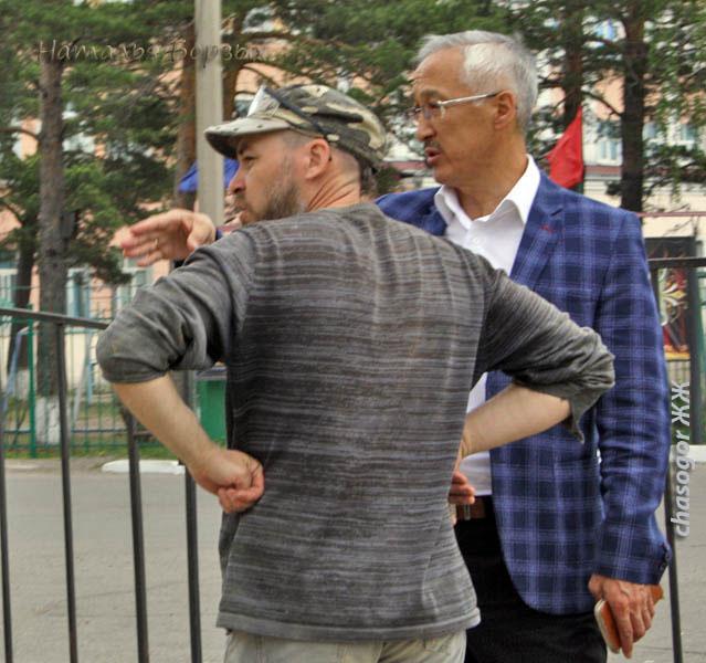 организатор и вдохновитель фестиваля мэр Свирска Владимир Орноев