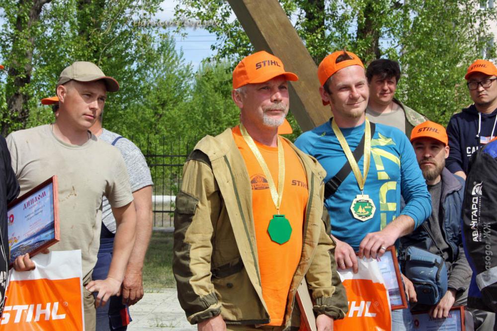 слева Денис Беляевский, в центре Андрей Чернов и его напарник А.Векшин