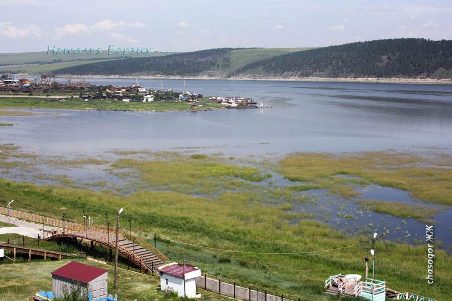 в Ангаре вода помаленьку прибывает, но ещё далеко до набережной