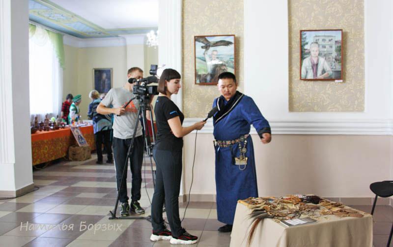 монгольские сувениры из кожи были хороши