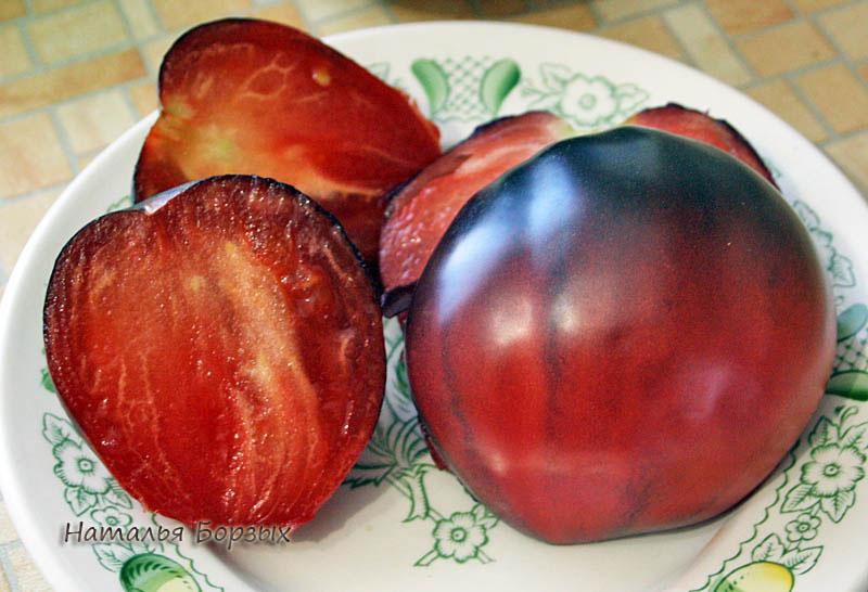 красно-чёрный томат