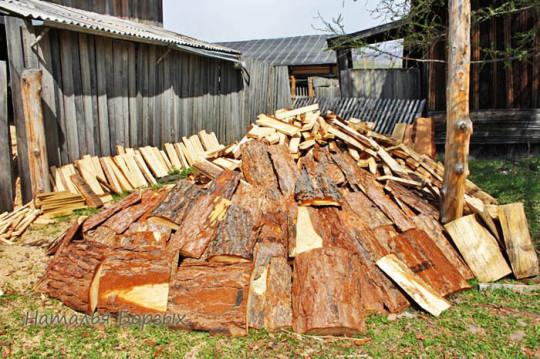 рассортировала кучу своих дров