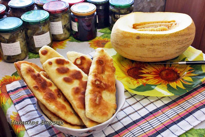 узбекский обед: дыня с лепёшками