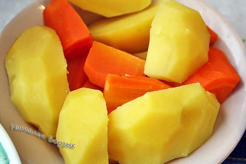 отварная картошка и морковь