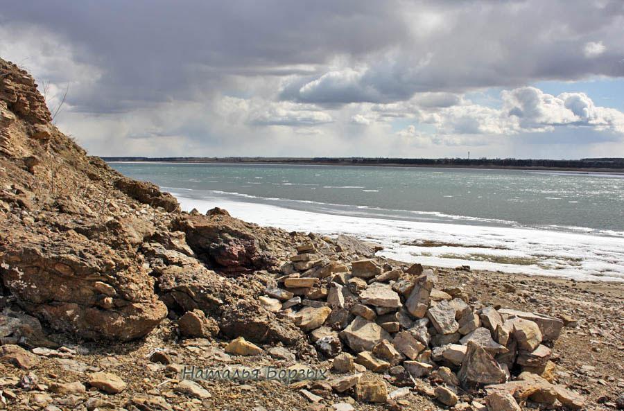 главное течение проходило 15 апреля вдоль моего берега