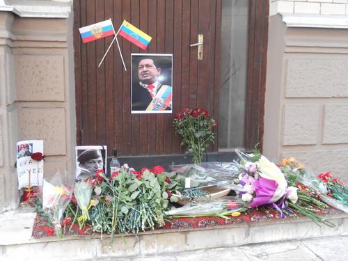 http://ic.pics.livejournal.com/chasoslov/1091963/12989/12989_original.jpg