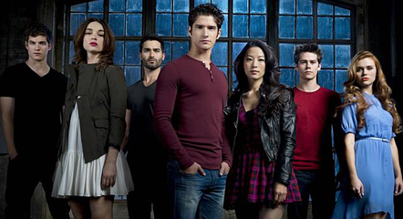 Teen-Wolf-Season-3-Cast-Photo-Featured