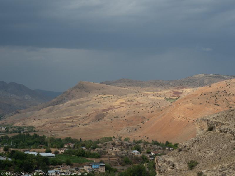 Долина реки Евфрат близ города Кемах