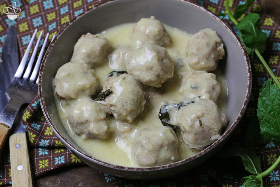 Греческие тефтели в яично-лимонном соусе (авголимоно)