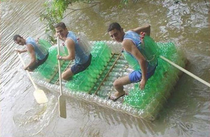 все из пластиковых бутылок лодки