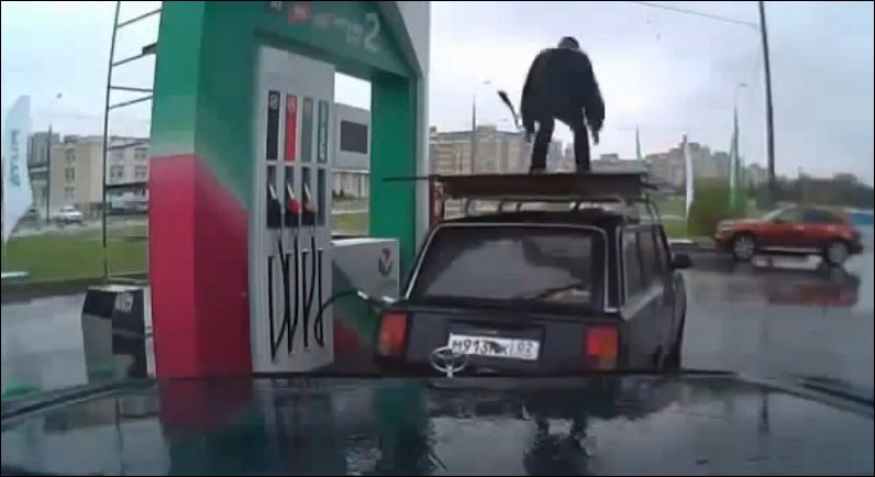 gas-station-dancing