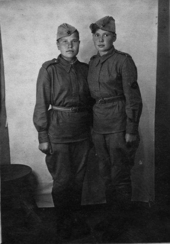 1299501208_neizvestnye-sovetskie-devushki-ryadovye-iz-istrebitelno-protivotankovoj-artillerijskoj-chasti