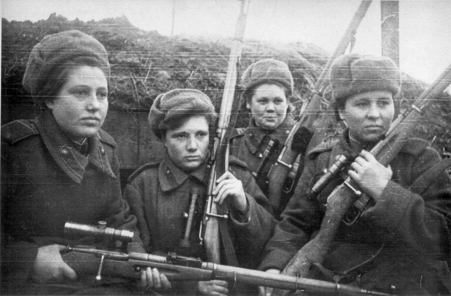 Female_russian_snipers_1944_2