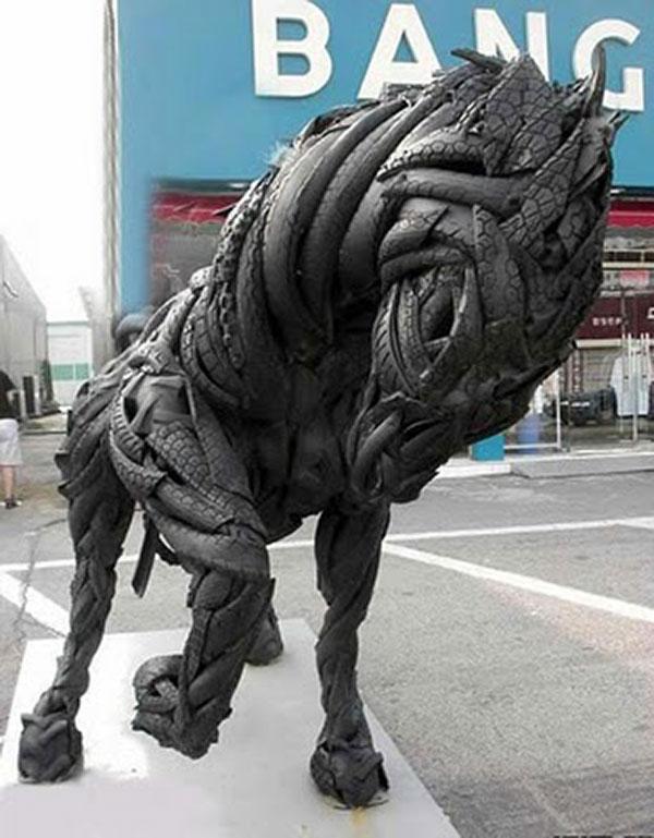 incredibile-sculpturi-din-cauciucuri-04