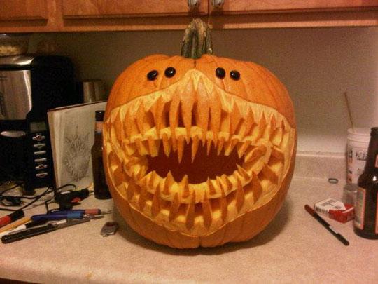 funny-scary-pumpkin-carving-teeth