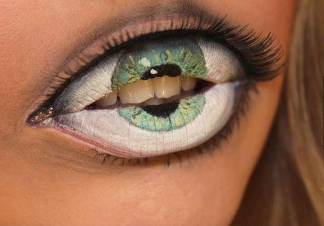глаза-губы-зубы-песочница-579858.jpeg