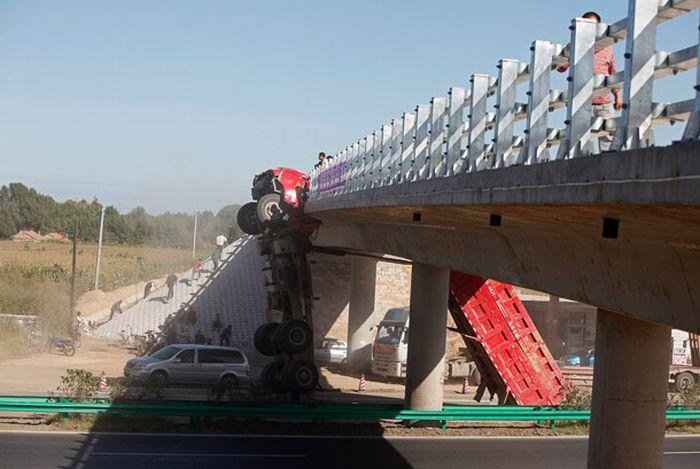 spectacular_crash_in_china_04