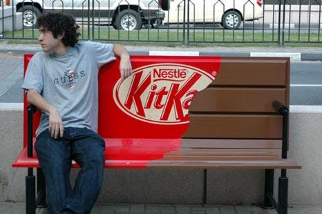 take-a-break-kit-kat-guerilla-marketing-promotions