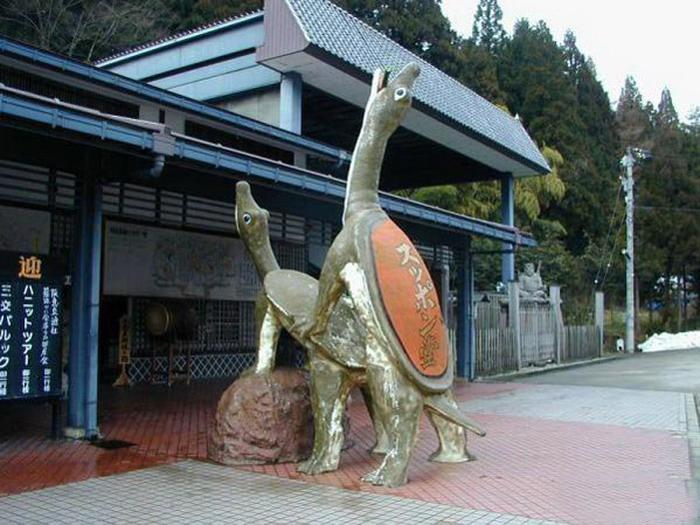 Фото эротических скульптур на улицах города 24 фотография