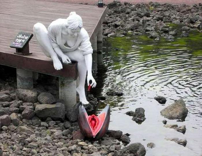 Фото эротических скульптур на улицах города 2 фотография